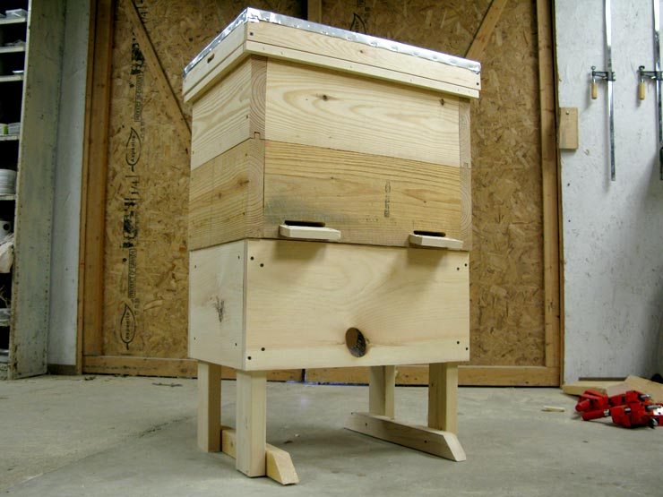 Hive Stand Designs : Layens beehive stand free plans natural beekeeping